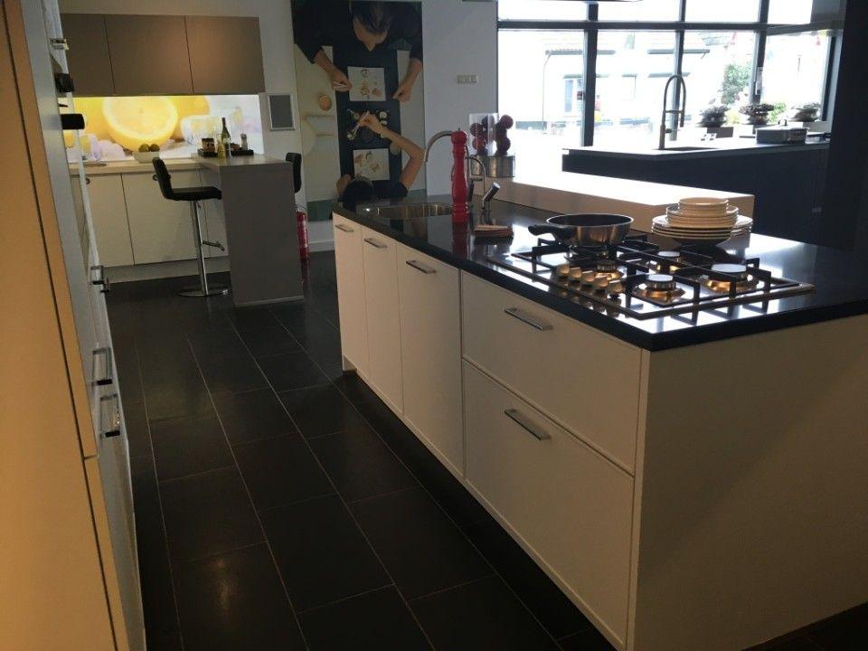 Beda Keukens Showroom : Voordelige showroommodellen bij moodkeukens in apeldoorn